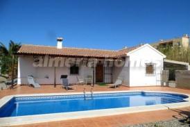 Villa Febrero: Villa for sale in Arboleas, Almeria