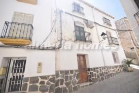Casa Simones: Stadswoning te koop in Seron, Almeria