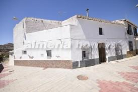 Casa Pueblecito: Town House for sale in Partaloa, Almeria