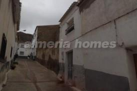 Casa Galeria: Town House for sale in Purchena, Almeria