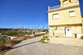 Cortijo German: Country House for sale in Arboleas, Almeria