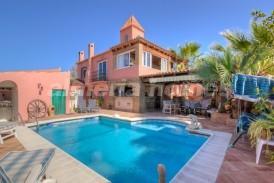 Villa Calvin: Villa for sale in Vera Playa, Almeria