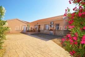 Villa Amapola: Villa for sale in Arboleas, Almeria