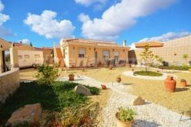 Villa Irlanda: Villa en venta en Arboleas, Almeria