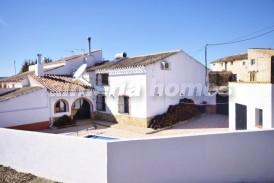 Cortijo Cerricos: Country House for sale in Oria, Almeria