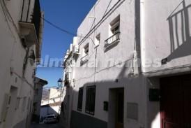 Casa Joaquin: Town House for sale in Seron, Almeria