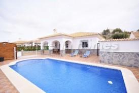 Villa Granada: Villa for sale in Cantoria, Almeria