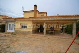 Villa Floral: Villa for sale in Arboleas, Almeria