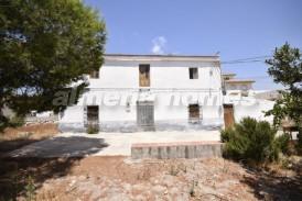 Cortijo Florencia: Country House for sale in La Alfoquia, Almeria