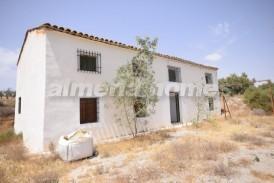 Cortijo Canarios: Country House for sale in Zurgena, Almeria
