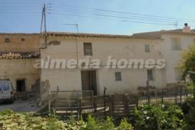 Cortijo Cerros: Country House for sale in Oria, Almeria