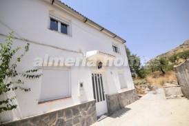 Cortijo Murciano: Country House for sale in Oria, Almeria