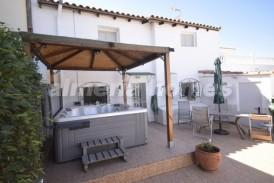 Cortijo Naranjo: Landhuis te koop in Arboleas, Almeria