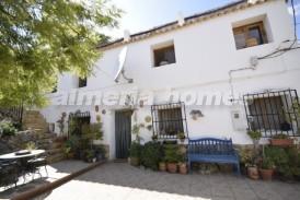 Cortijo Portillo: Country House for sale in Oria, Almeria