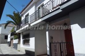 Casa Valdi: Town House for sale in Baza, Granada