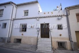 Casa los Geranios: Town House for sale in Seron, Almeria