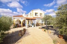 Villa Flecha: Villa en venta en Albox, Almeria
