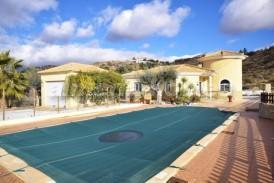 Villa Nispero: Villa for sale in Partaloa, Almeria