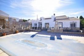 Villa Bombero: Villa for sale in Arboleas, Almeria