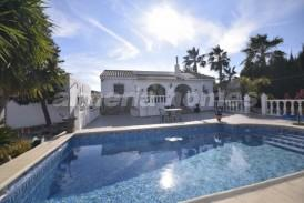 Villa Mechas: Villa for sale in Arboleas, Almeria