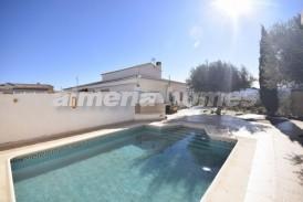 Villa Europa: Villa te koop in Partaloa, Almeria