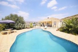 Villa Magnolia: Villa en venta en Albox, Almeria