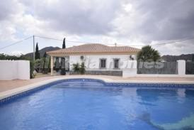 Villa Mariela: Villa for sale in Arboleas, Almeria