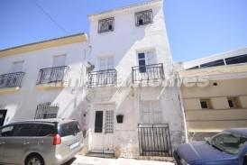 Casa Bilberry: Town House for sale in Cantoria, Almeria
