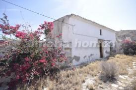 Cortijo Parla: Country House for sale in Arboleas, Almeria