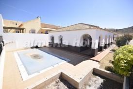 Villa Lotus: Villa for sale in Oria, Almeria