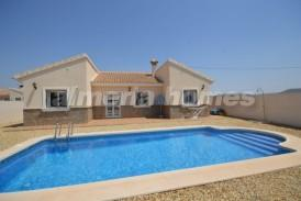 Villa Rizos: Villa for sale in Zurgena, Almeria
