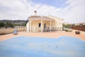 Villa Vital: Villa en venta en Arboleas, Almeria