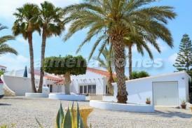 Villa Pino : Villa en venta en Antas, Almeria