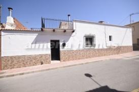 Casa Mendoza: Casa Adosado en venta en Albox, Almeria