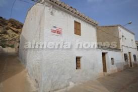 Casa Ochenta: Town House for sale in Partaloa, Almeria