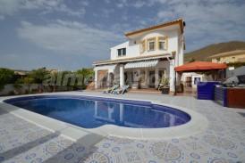 Villa Mosaico: Villa en venta en Arboleas, Almeria