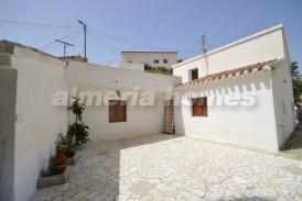 Cortijo Adorante: Country House for sale in Oria, Almeria