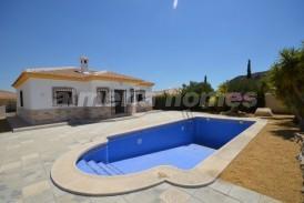 Villa Yucca: Villa te koop in Arboleas, Almeria