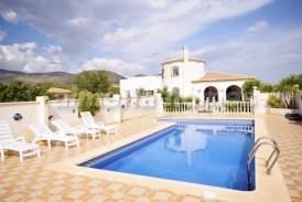 Villa Oporto: Villa for sale in Oria, Almeria