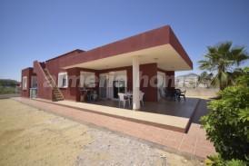 Villa Zanaga: Villa for sale in La Alfoquia, Almeria