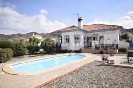 Villa Haze: Villa for sale in Arboleas, Almeria