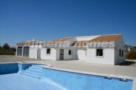 Villa Kinder: Villa te koop in Arboleas, Almeria