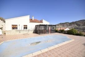 Villa Miercoles: Villa en venta en Arboleas, Almeria
