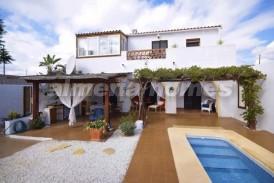 Cortijo Jueves: Casa de Campo en venta en Arboleas, Almeria