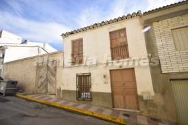 Casa Petalo: Town House for sale in Cantoria, Almeria