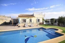 Villa Esendi: Villa for sale in Arboleas, Almeria