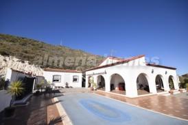Villa Santa: Villa for sale in Arboleas, Almeria