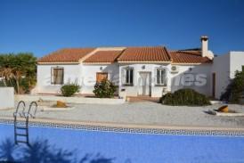 Villa Osmo: Villa for sale in Albox, Almeria