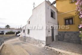 Casa Sen: Village House for sale in Arboleas, Almeria