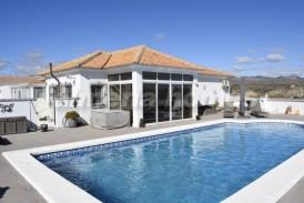 Villa Salamanca: Villa for sale in Partaloa, Almeria
